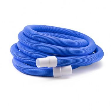 manguera azul para limpiafondos enrollada